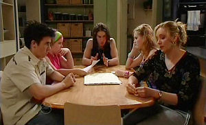 Stingray Timmins, Bree Timmins, Dylan Timmins, Janae Timmins, Janelle Timmins in Neighbours Episode 4784