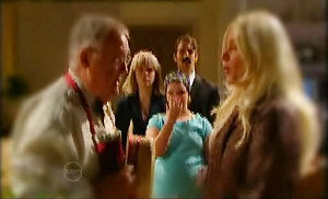 Harold Bishop, Janae Timmins, Bree Timmins, Stingray Timmins, Janelle Timmins in Neighbours Episode 4785