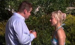 Toadie Rebecchi, Sindi Watts in Neighbours Episode 4786