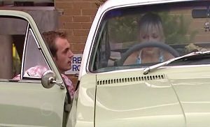 Stuart Parker, Sindi Watts in Neighbours Episode 4787