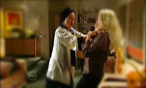 Susan Kennedy, Janelle Timmins in Neighbours Episode 4790