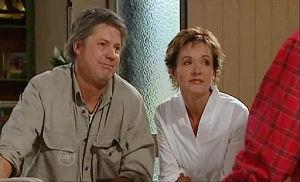 Joe Mangel, Susan Kennedy in Neighbours Episode 4791