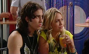 Dylan Timmins, Sky Mangel in Neighbours Episode 4792