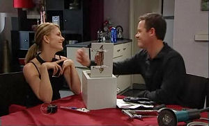 Izzy Hoyland, Paul Robinson in Neighbours Episode 4793