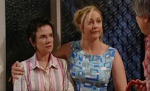 Lyn Scully, Janelle Timmins, Joe Mangel in Neighbours Episode 4793