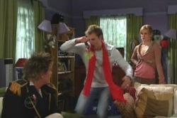 Elle Robinson, Stuart Parker, Ned Parker in Neighbours Episode 4851