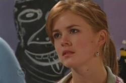 Elle Robinson in Neighbours Episode 4851