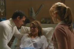 Paul Robinson, Elle Robinson, Izzy Hoyland in Neighbours Episode 4851