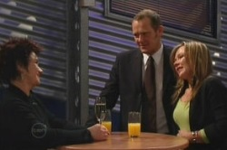 Lyn Scully, Max Hoyland, Steph Scully in Neighbours Episode 4855