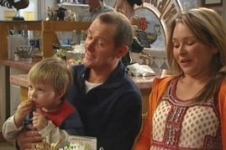 Oscar Scully, Max Hoyland, Steph Scully in Neighbours Episode 4855