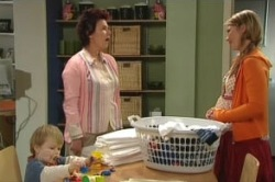 Oscar Scully, Lyn Scully, Steph Scully in Neighbours Episode 4856