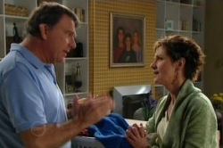 Alex Kinski, Susan Kennedy in Neighbours Episode 4860