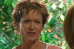 Susan Kennedy in Neighbours Episode 4871