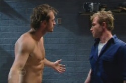 Reuben Hausman (Roo), Stuart Parker in Neighbours Episode 4873