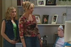 Janae Timmins, Janelle Timmins, Bree Timmins in Neighbours Episode 4878