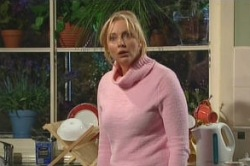Janelle Timmins in Neighbours Episode 4878