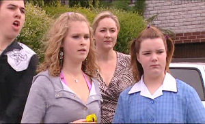 Stingray Timmins, Janae Timmins, Janelle Timmins, Bree Timmins in Neighbours Episode 4893