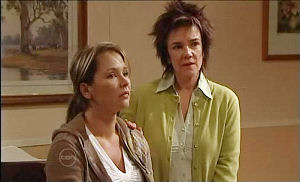 Steph Scully, Lyn Scully in Neighbours Episode 4893