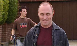 Kim Timmins, Stingray Timmins in Neighbours Episode 4893