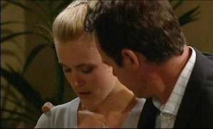 Elle Robinson, Paul Robinson in Neighbours Episode 4911