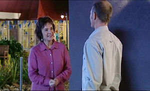 Lyn Scully, Max Hoyland in Neighbours Episode 4911