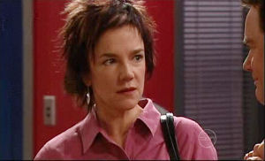 Lyn Scully, Paul Robinson in Neighbours Episode 4911