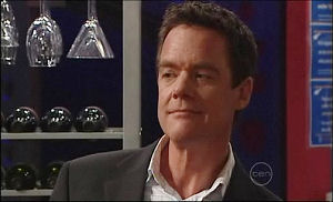 Paul Robinson in Neighbours Episode 4911