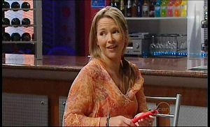 Steph Scully in Neighbours Episode 4914