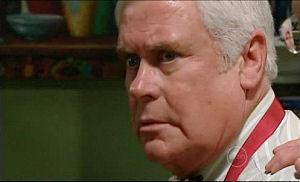 Lou Carpenter in Neighbours Episode 4914