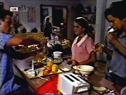 Josh Anderson, Helen Daniels, Lucy Robinson, Todd Landers in Neighbours Episode 1406