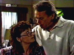 Pam Willis, Doug Willis in Neighbours Episode 1408