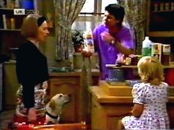 Melanie Pearson, Bouncer, Joe Mangel, Sky Mangel in Neighbours Episode 1412