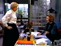 Madge Bishop, Melanie Pearson in Neighbours Episode 1414