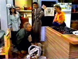 Christina Robinson, Jim Robinson, Paul Robinson, Helen Daniels in Neighbours Episode 1415