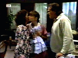 Pam Willis, Cody Willis, Doug Willis in Neighbours Episode 1416