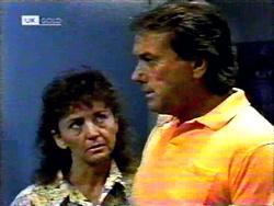 Pam Willis, Doug Willis in Neighbours Episode 1417