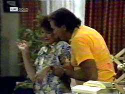Pam Willis, Doug Willis in Neighbours Episode 1417