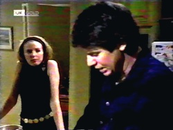 Melanie Pearson, Joe Mangel in Neighbours Episode 1418