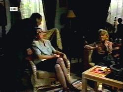 Colin Burke, Dorothy Burke, Helen Daniels in Neighbours Episode 1420