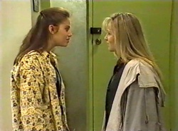 Beth Brennan, Lauren Turner in Neighbours Episode 1975