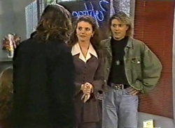 Wayne Duncan, Gaby Willis, Guy in Neighbours Episode 1975