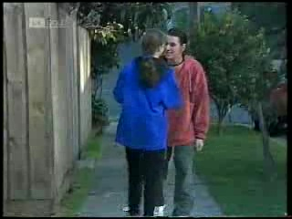 Debbie Martin, Darren Stark in Neighbours Episode 1994