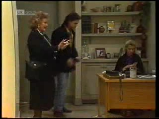 Cheryl Stark, Wayne Duncan, Helen Daniels in Neighbours Episode 1994