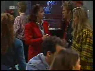 Pam Willis, Connor Cleary, Lauren Carpenter in Neighbours Episode 1994