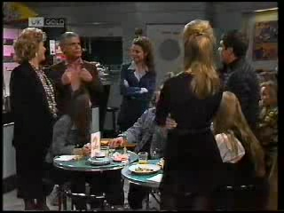 Cheryl Stark, Lou Carpenter, Gaby Willis, Stephen Gottlieb, Annalise Hartman, Mark Gottlieb, Lauren Turner in Neighbours Episode 1995