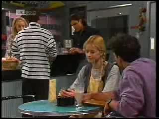Annalise Hartman, Mark Gottlieb, Wayne Duncan, Phoebe Bright, Stephen Gottlieb in Neighbours Episode 1995