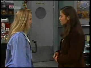 Lauren Turner, Beth Brennan in Neighbours Episode 1995