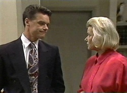 Paul Robinson, Helen Daniels in Neighbours Episode 2001