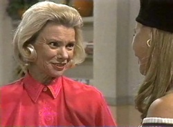 Helen Daniels, Lucy Robinson in Neighbours Episode 2001