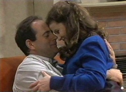 Philip Martin, Julie Robinson in Neighbours Episode 2001